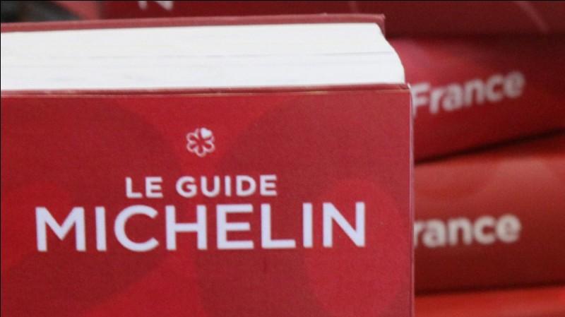 Dans quel arrondissement se trouvent les restaurants triplement étoilés de Pierre Gagnaire, Eric Fréchon ou encore Alain Ducasse ?