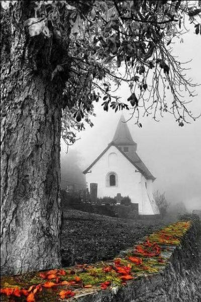 """Qui chantait """"Vive le vent de l'hiver, et la chanson de Prévert continue sa route à l'envers..."""" ?"""