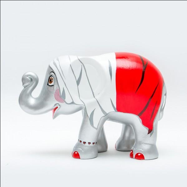 """Dans quelle ville néerlandaise a débuté """"Elephant Parade"""", une exposition qui présente des sculptures d'éléphants hauts de 13,5 m ?"""