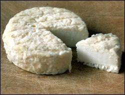 Avec le lait de quel animal est fabriqué le Pélardon ?