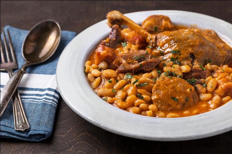Comment se nomme ce plat bien connu partout en France et dont plusieurs villes se font la ''guerre'' pour savoir d'où il vient ?