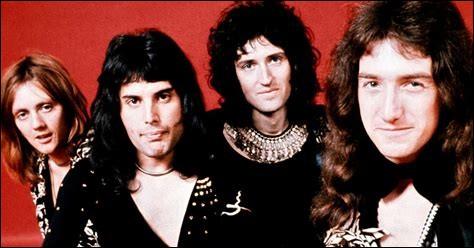 Quel était le nom du groupe de Brian May et Roger Taylor avant qu'ils ne fondent Queen avec Freddie Mercury ?
