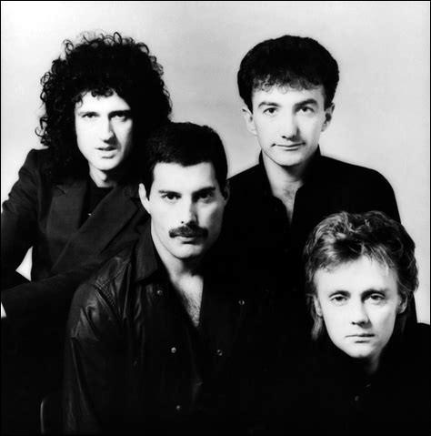 Combien de membres du groupe Queen sont encore en vie en 2018 ?