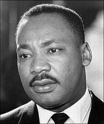 Qui obtint le prix Nobel de la Paix en 1964 pour sa lutte non violente contre la ségrégation raciale ?