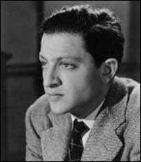 """Ce cinéaste (1911- 2008) a réalisé """"Les Forbans de la nuit"""" """"Jamais le dimanche"""". De qui s'agit-il ?"""