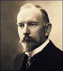 """Cet écrivain et auteur dramatique (1864-1910), auteur de """"Poil de carotte"""", c'est :"""