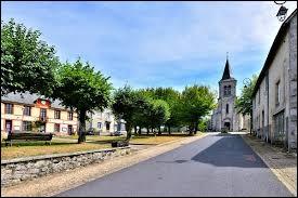 Nous commençons cette balade en Nouvelle-Aquitaine, à Combressol. Village sur le plateau de Millevaches, il se situe dans le département ...