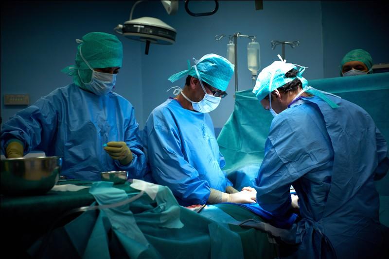 Qui est sans conteste le meilleur chirurgien ?