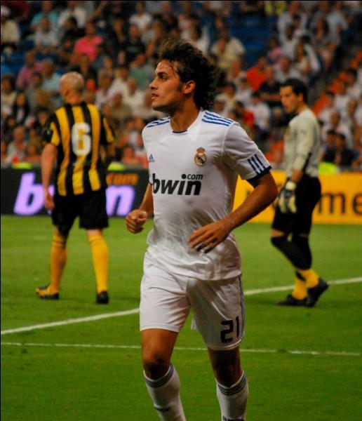 Ce joueur a joué à Madrid. C'est :