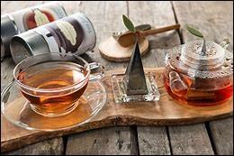 Préfères-tu le thé ou le café ?