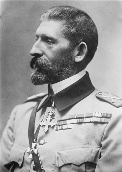 Quel pays des Balkans, fournisseur de blé et de pétrole de l'Allemagne, rejoint l'Entente le 28 août 1916, provoquant son invasion par l'Alliance?
