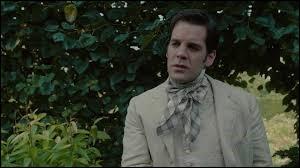 """Quel est le nom de l'acteur qui joue le rôle de Lowell Manchester dans le film """"Alice au pays des merveilles"""" ?"""