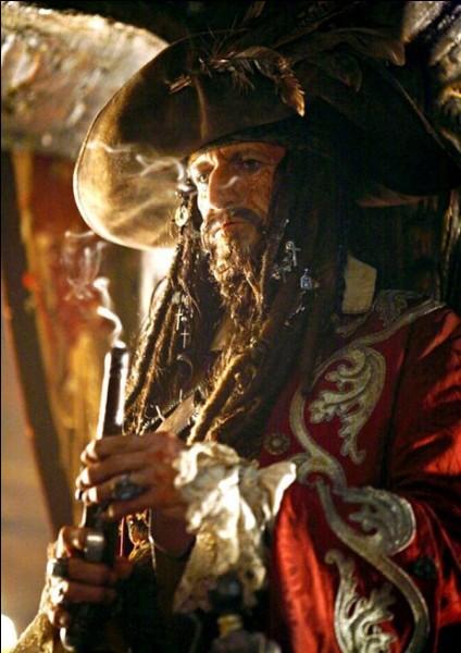 """Quel est le nom de l'acteur qui joue le rôle de Teague Sparrow dans la saga """"Pirates des Caraïbes"""" ?"""