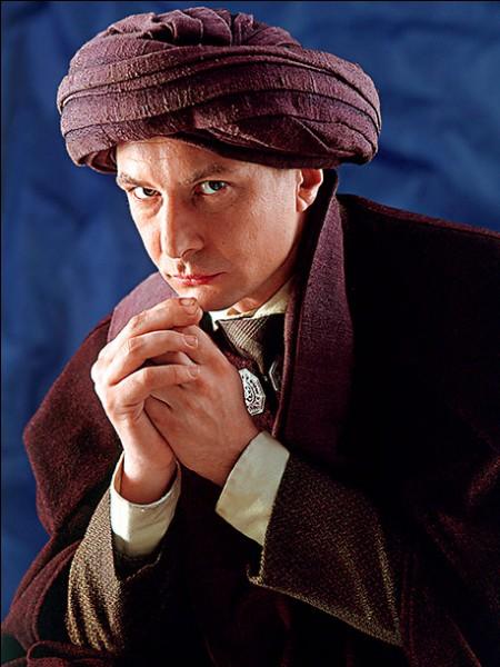 "Quel est le nom de l'acteur qui joue le rôle de Quirinus Quirrell dans la saga ""Harry Potter"" ?"