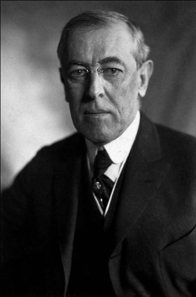 Le 8 janvier 1918, le président américain Wilson présente ses