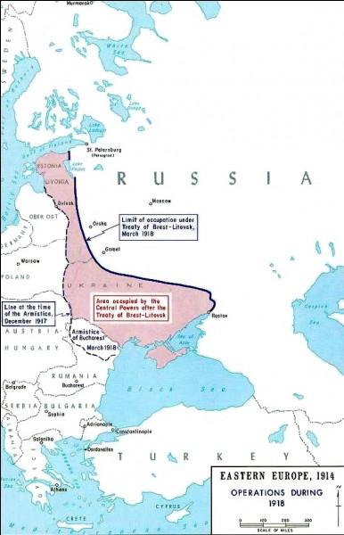 Le 3 mars 1918, la Russie signe un traité de paix avec les Empires centraux et les autres membres de l'Alliance; Il s'agit du