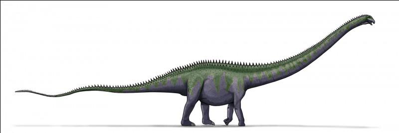 Quel est le plus long de ces trois dinosaures ?
