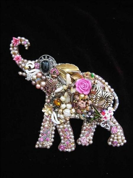 Quel dieu de la mythologie hindoue avait une tête d'éléphant ?
