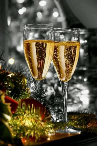 Joyeux Noël avec encore une petite coupe de champagne ! Cette fois, ce sera un champagne de marque !