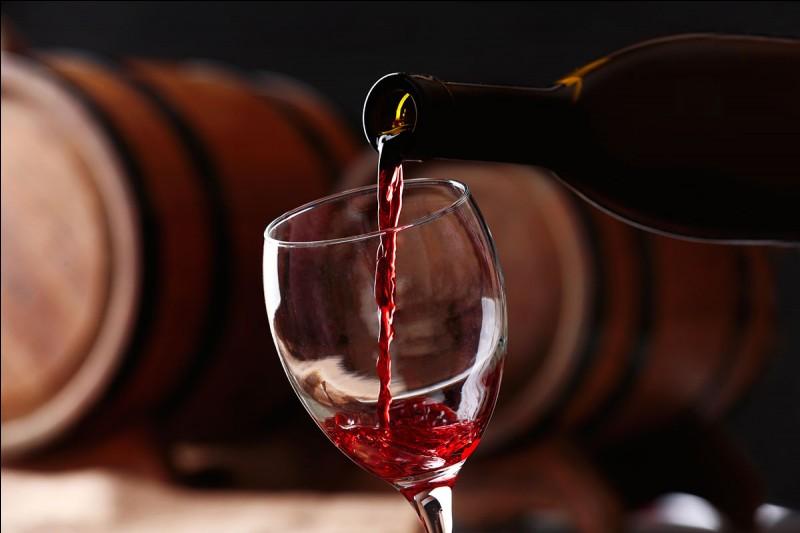 Pour commencer cette magnifique soirée, je dois me rendre chez le caviste afin de prendre du vin. Quel est le nom du spécialiste du vin ?