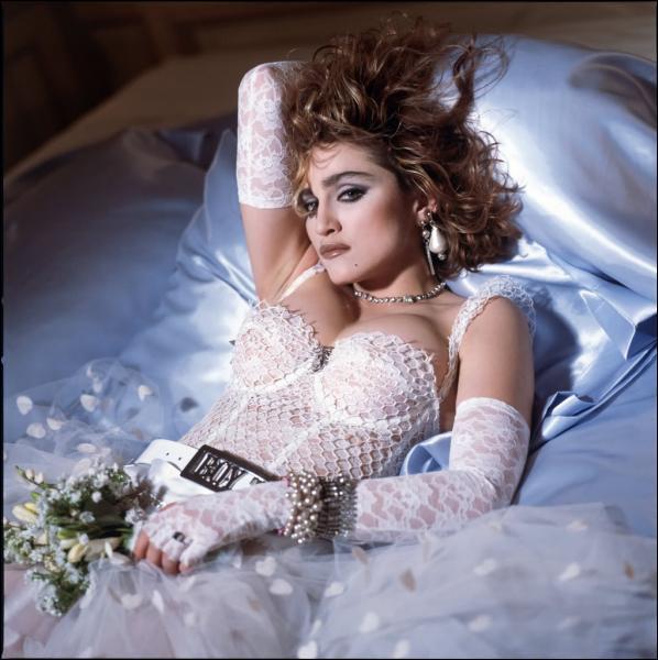 Dans quelle ville européenne a-t-elle tourné le clip de 'Like a Virgin' ?