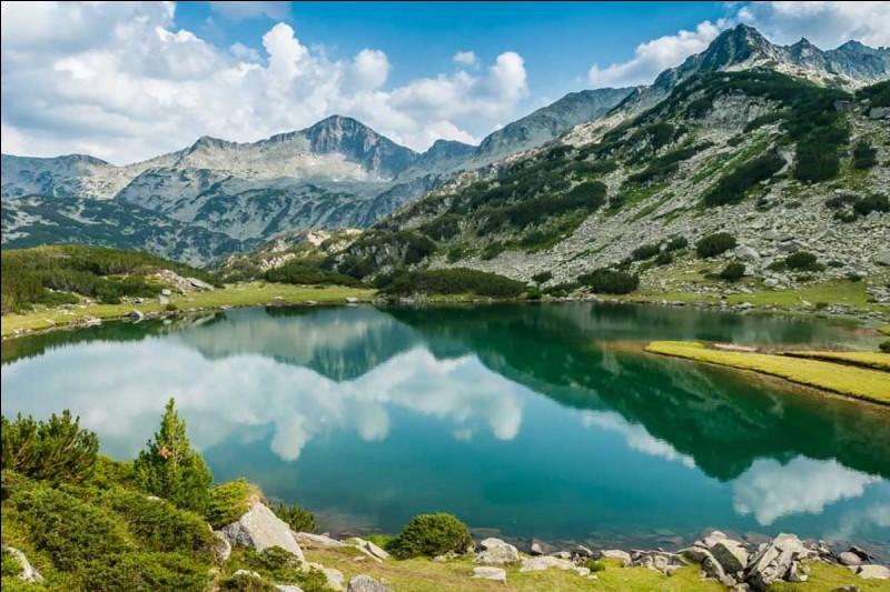 Destination 4 : la Bulgarie. Sais-tu comment s'écrit le nom de ses habitants ?