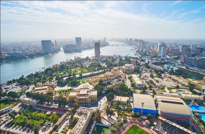 Destination 9 : l'Égypte et plus précisément le Caire. Sais-tu quel fleuve traverse cette ville ?