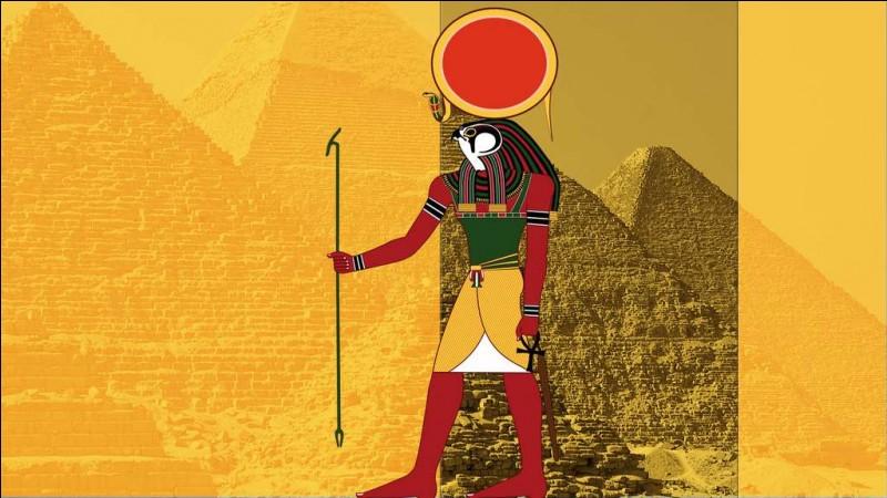 Je suis le dieu des dieux de la mythologie égyptienne. Je suis...