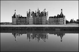 Dans quel département français se trouve le château de Chambord ?