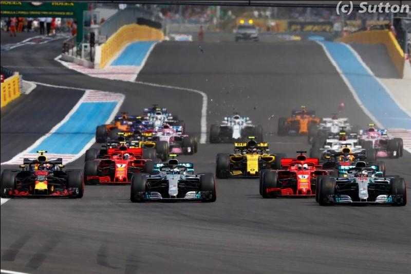 Quel coureur automobile a remporté le plus grand nombre de titres mondiaux en Formule 1 ?