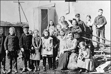 Quel événement a incité près de 100 000 personnes à s'installer en Californie en 1849 ?