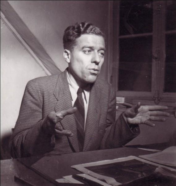 Ce philosophe (1905 - 1950), fondateur de la revue Esprit et à l'origine du courant personnaliste, c'est Emmanuel...