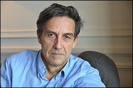 """Ce démographe et essayiste, né en 1951, adepte de démarche de l'anthropologie historique, est l'auteur de """"L'Invention de la France"""", """"L'Invention de l'Europe"""" """"L'Origine des systèmes familiaux"""". C'est Emmanuel..."""