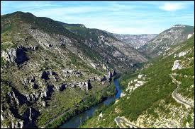 Sur combien de régions françaises s'étend le parc national des Cévennes ?