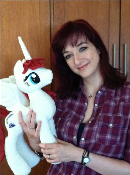 """Comment s'appelle la créatrice de """"My Little Pony"""" ?"""