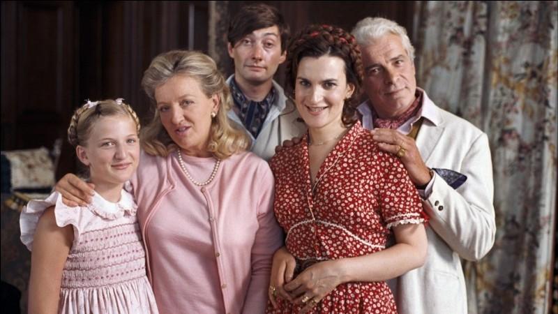 Quel est ce film de et avec Charlotte de Turckheim, dans lequel la famille d'Arbac de Neuville s'adonne à quelques combines pour survivre et continuer à habiter leur château en délabrement ?