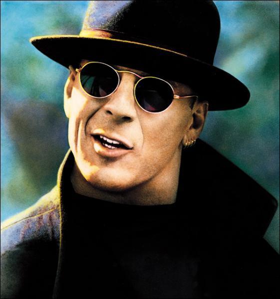 Dans lequel de ces films, Bruce Willis doit-il dérober trois oeuvres de Vinci ?