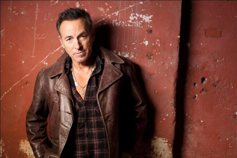 Bruce Springsteen chantait ''Streets of Philadelphia'' pour la bande originale du film ''Philadelphia'' avec Tom Hanks et Denzel Washington. Quel est le thème du film ?