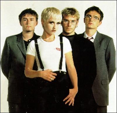 ''I Can't Be With You'' chantaient les Cranberries. Comment peut-on traduire le nom de ce groupe ?