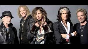 Aerosmith a chanté ''Crazy''. Quel groupe a sorti une chanson portant le même titre en 2006 ?