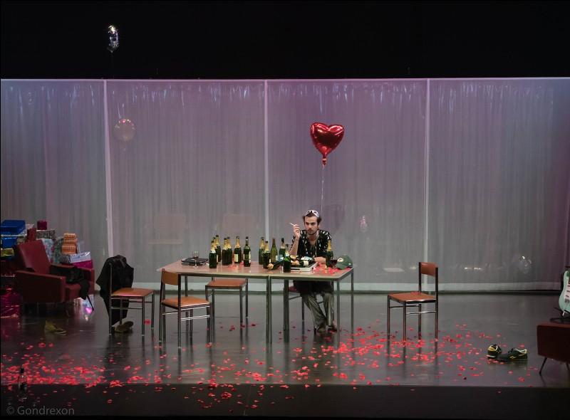"""""""Une maison de poupée"""" est une pièce de théâtre d'Henrik Ibsen."""