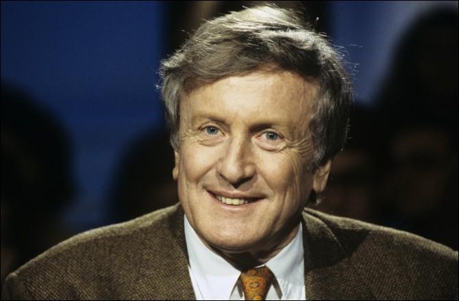 """Cet acteur (1929- 2017), qui a joué dans """"Adieu poulet"""", """"Le Crabe-Tambour"""", """"La Guerre des polices"""" et qui a incarné Talleyrand dans """"Le Souper"""", c'est Claude..."""