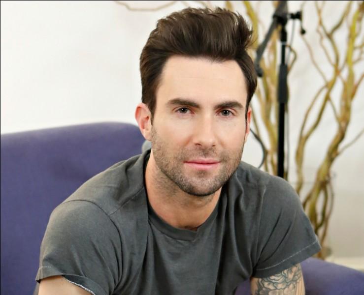 Quel titre a chanté Adam Levine ?