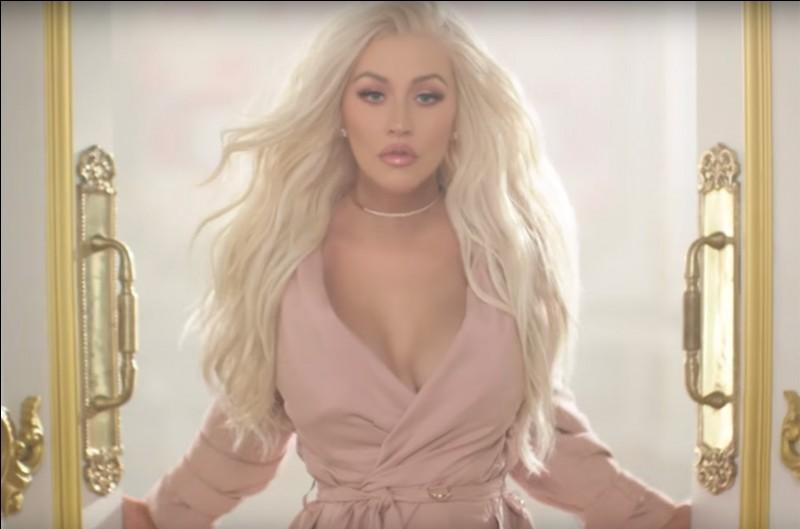 Quel titre a chanté Christina Aguilera ?