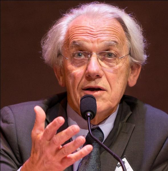Quel domaine Gérard Mourou a-t-il étudié pour obtenir le prix Nobel de physique 2018 ?