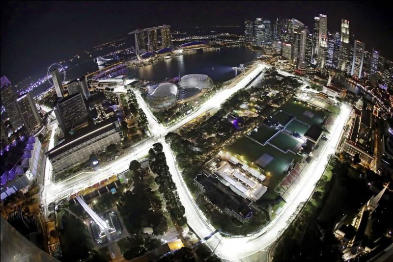Ce circuit est celui sur lequel se dispute le Grand Prix de Singapour.