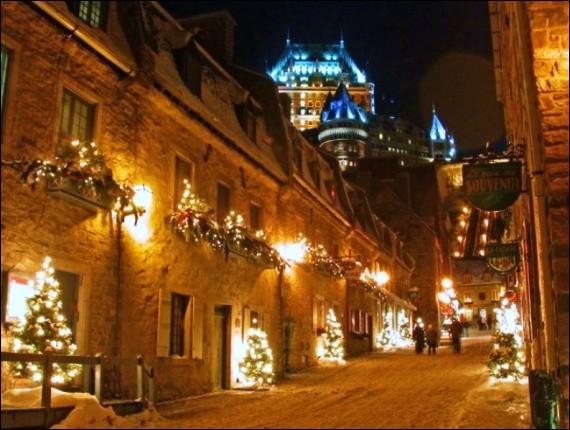 C'est un site magnifique pour les fêtes d'hiver : déjà son carnaval est des plus joyeux. Pour Noël, déambulez aussi dans les rues du quartier Petit-Champlain, le Croissant du Vieux-Port et la Place Royale. On pense à l'écologie : les technologies utilisées permettent d'illuminer avec une faible empreinte sur l'environnement. Les systèmes sont LEED et les conceptions sont écoénergétiques.