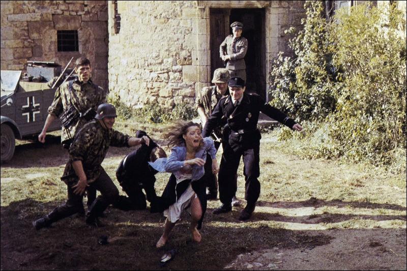Romy Schneider est Clara Dandieu dans ce film dramatique réalisé par Robert Enrico, dont l'action se déroule dans la France occupée de 1944. De quel film s'agit-il ?
