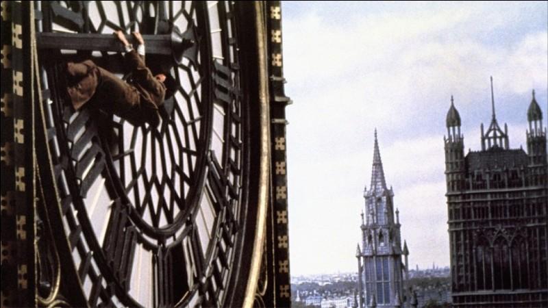 Dans quel film d'Alfred Hitchcock le personnage principal est-il amené à escalader la plus célèbre horloge londonienne ?