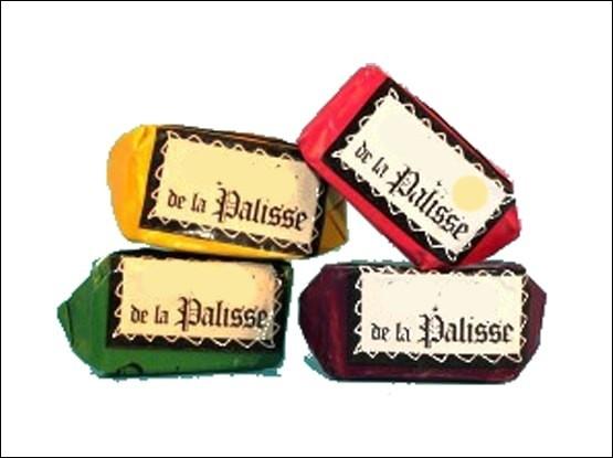 Spécialités de Lapalisse, ville de l'Allier, que sont ces bonbons fourrés aux fruits ?